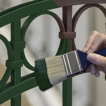 Pintar-reja-con-pintura-para-hierro