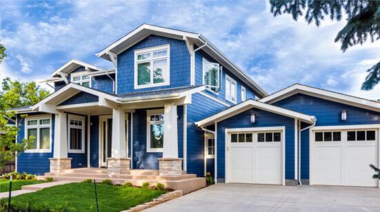 Colores-de-pintura-para-fachadas-de-casas-modernas-azul-y-blanco